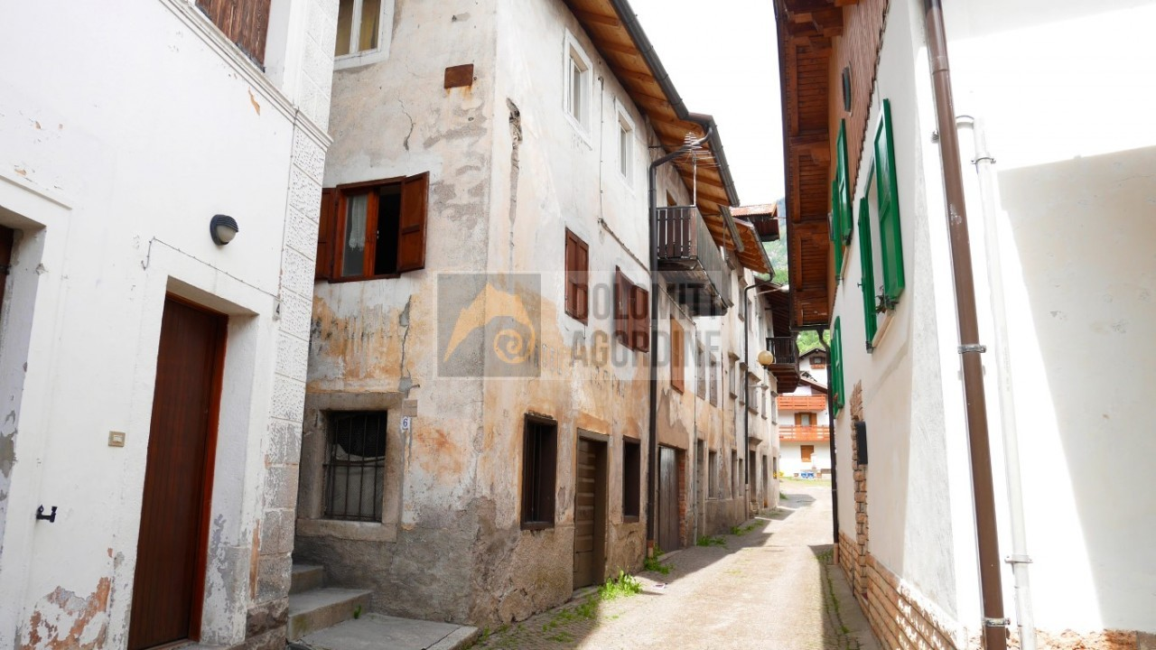 Reihenhaus zum Kauf in Cencenighe Agordino