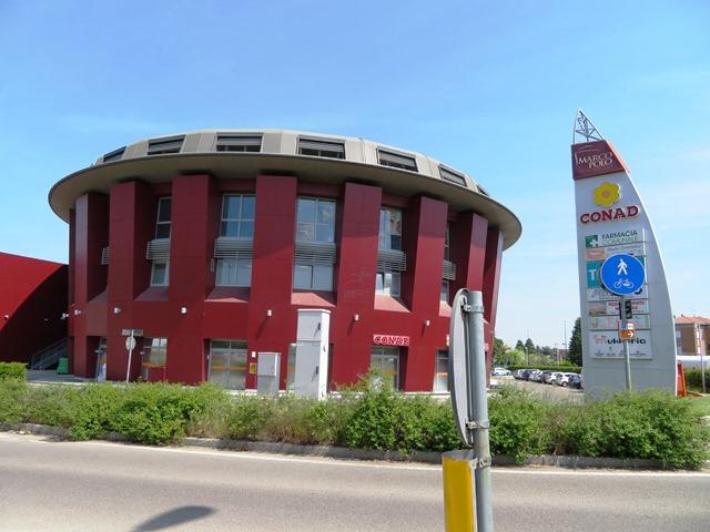 Ufficio / Studio in vendita a Vignola, 4 locali, zona Località: Vignola - Centro, prezzo € 188.000 | CambioCasa.it