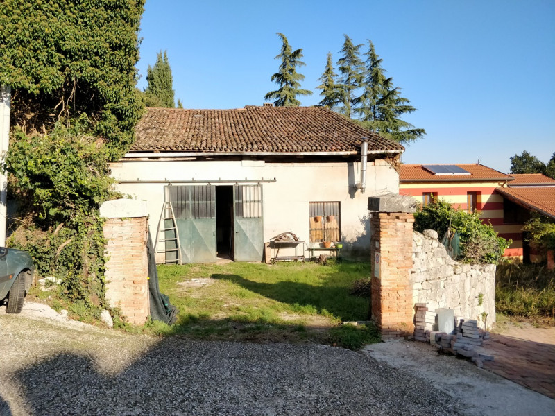 Laboratorio in vendita a Arcugnano, 9999 locali, zona Località: Arcugnano - Centro, prezzo € 79.000 | CambioCasa.it