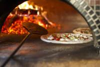 Pizzeria - Ristorantino in zona centrale a Este.