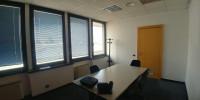Ufficio,, dotato di riscaldamento autonomo, aria condizionata, ascensore, impianti elettrici, fonia,