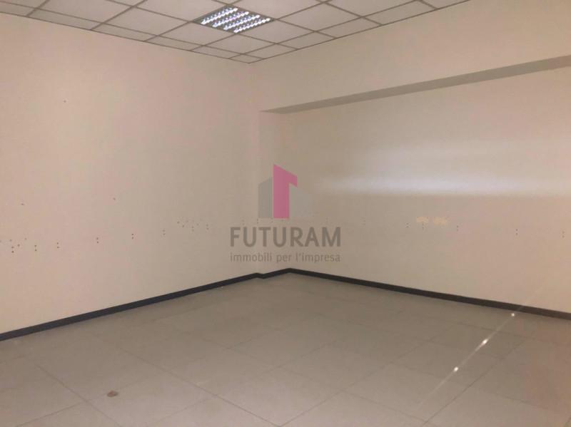 UFFICIO___ LIMENA CENTRO - https://images.gestionaleimmobiliare.it/foto/annunci/190124/1918374/800x800/003__4_risultato.jpg