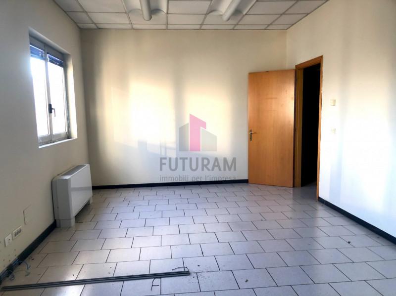 UFFICIO___ LIMENA CENTRO - https://images.gestionaleimmobiliare.it/foto/annunci/190124/1918374/800x800/004__5_risultato.jpg