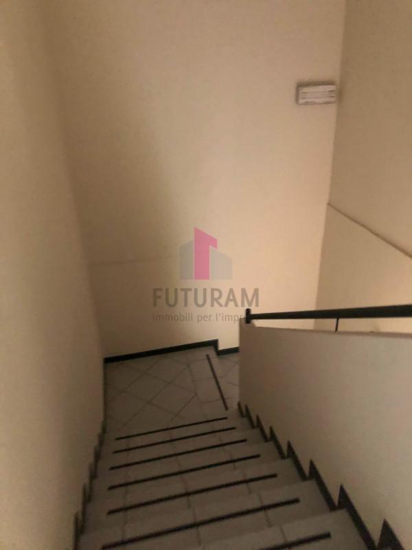 UFFICIO___ LIMENA CENTRO - https://images.gestionaleimmobiliare.it/foto/annunci/190124/1918374/800x800/007__8_risultato.jpg