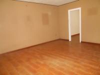 ufficio al piano terra con girdino e porticato privato