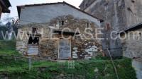 Pietrasanta prima collina Villa storica casale con vista mare e possibile piscina