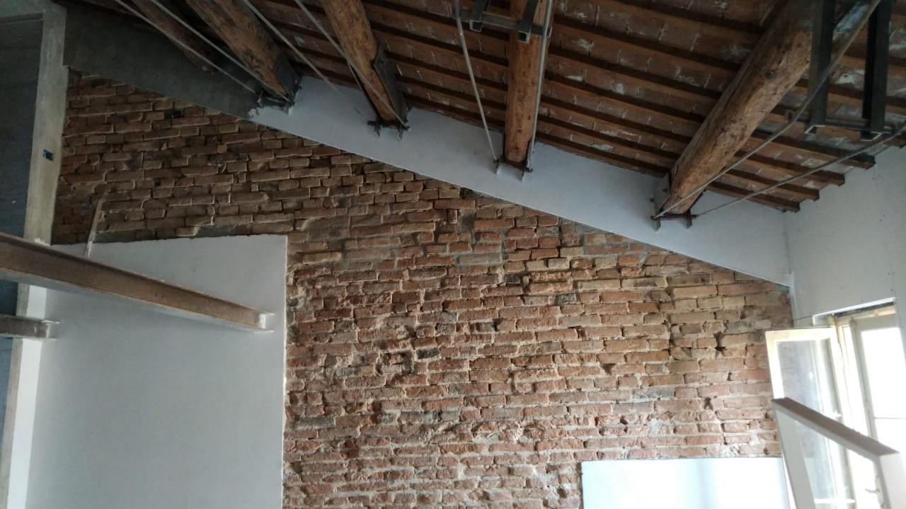 Porzione di casa a schiera in fase di ristrutturazione a Este.