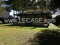 FORTE DEI MARMI villa singola in vendita con giardino di 1000 metri