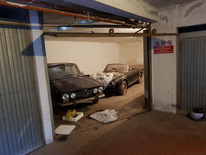 FEE ½ of car garage