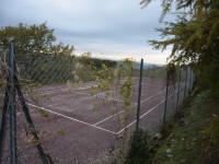 Villa indipendente con piscina e campo da tennis