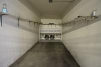 Corso Milano ampio appartamento con garage.