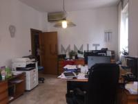SCHIO-CENTRO: UFFICIO DI 100 mq arredato con quattro stanze.