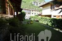 Mezzocorona: Villa con giardino privato e terrazza