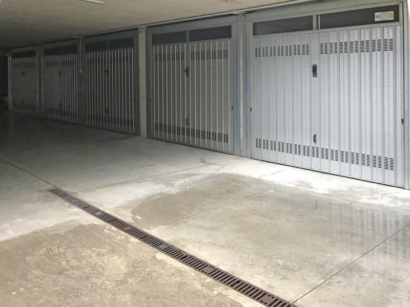 Box / Garage in Vendita a Seregno