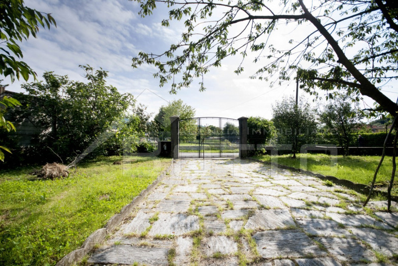 Detached villa for sale in Piane di Serravalle Sesia