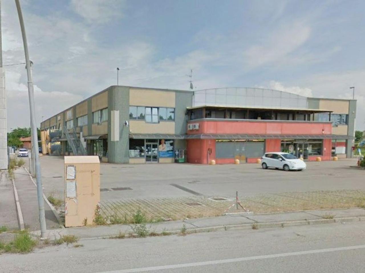 Laboratorio artigianale in complesso commerciale (Sub 20)