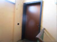 TRATTATIVA RISERVATA. Ufficio posto al 1° piano con ingresso indipendente al piano terra.