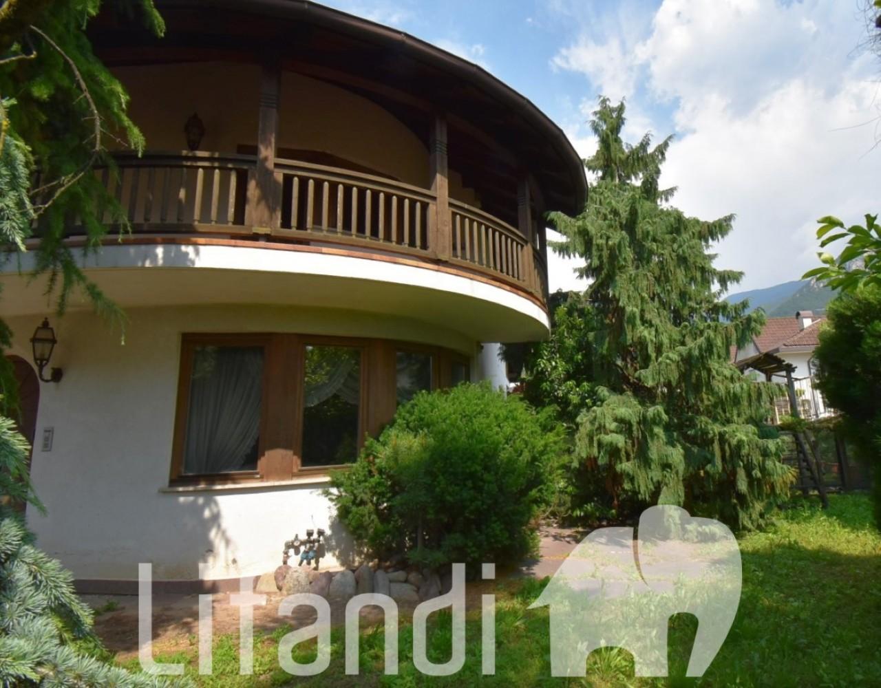 Egna: Villa a schiera con giardino privato