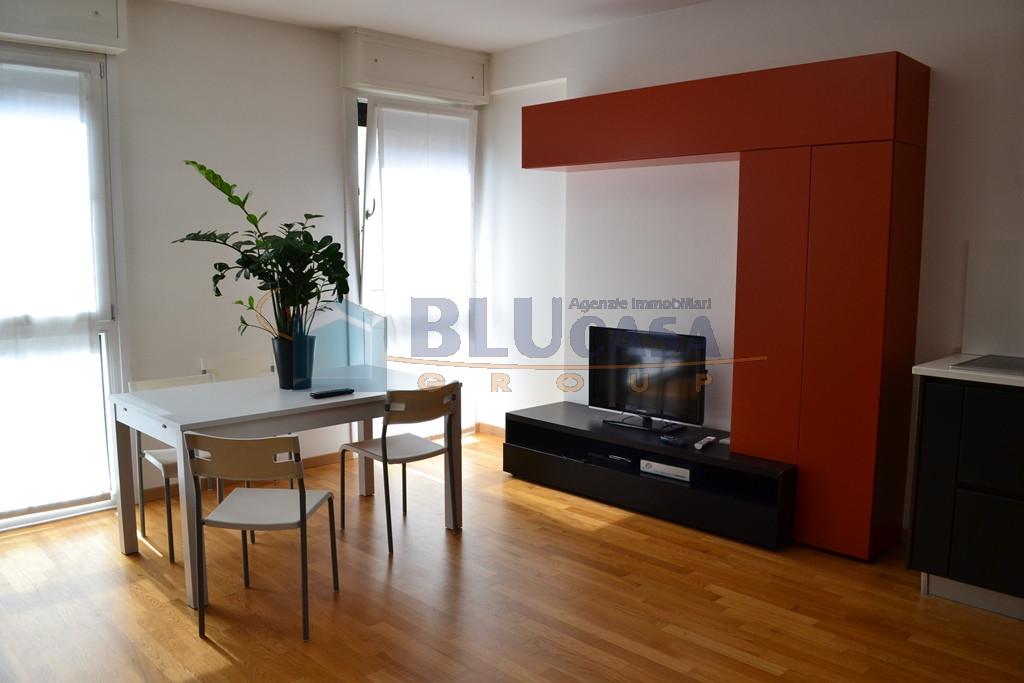 A384 Padova Centro Largo Europa Mini appartamento locato con ottima rendita! https://images.gestionaleimmobiliare.it/foto/annunci/190627/2025565/1280x1280/001__dsc_0019.jpg