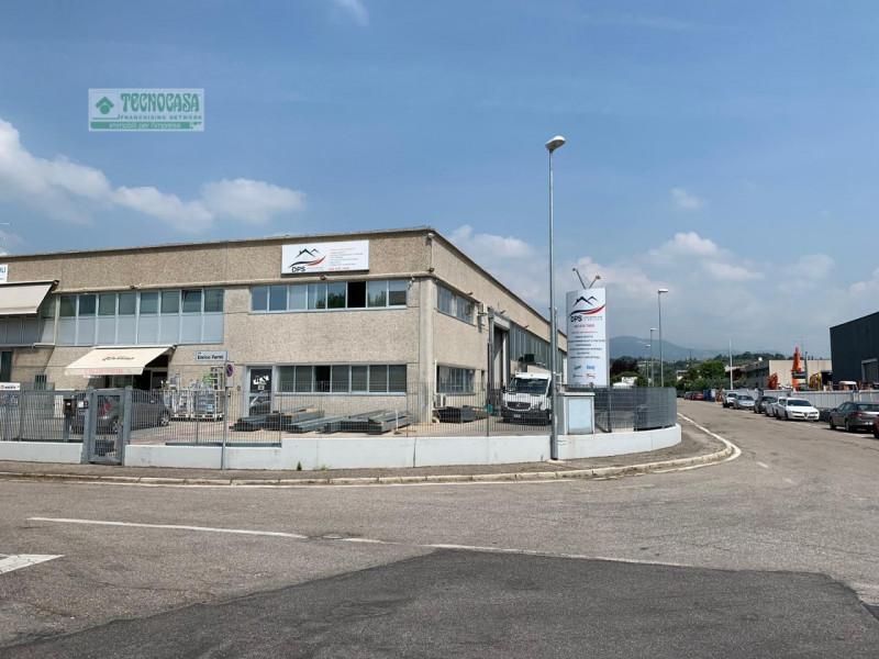 Capannone in affitto a Pescantina, 9999 locali, zona Zona: Settimo, Trattative riservate | CambioCasa.it