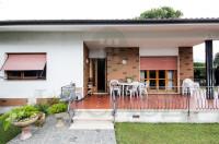 Villa singola di sapore indipendente con progetto in vendita a Forte dei Marmi