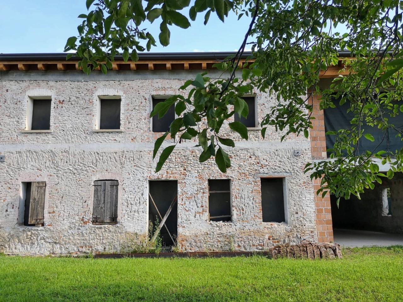 Rustico con ampio giardino a San Gaetano