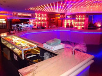 Complesso alberghiero con discoteca e terreni agricoli