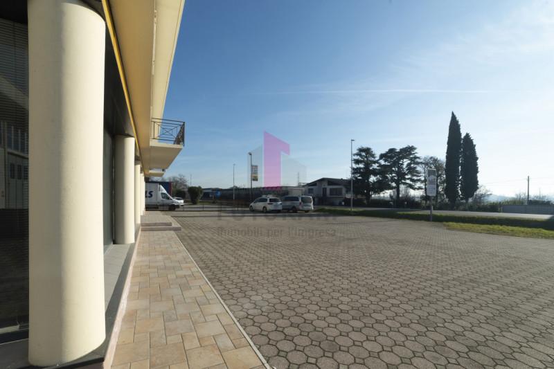 Capannone in vendita a Carmignano di Brenta - https://images.gestionaleimmobiliare.it/foto/annunci/190920/2072021/800x800/002__3_risultato.jpg