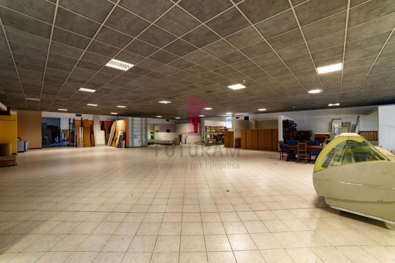 Capannone in vendita a Carmignano di Brenta - https://images.gestionaleimmobiliare.it/foto/annunci/190920/2072021/800x800/013__9b_risultato.jpg