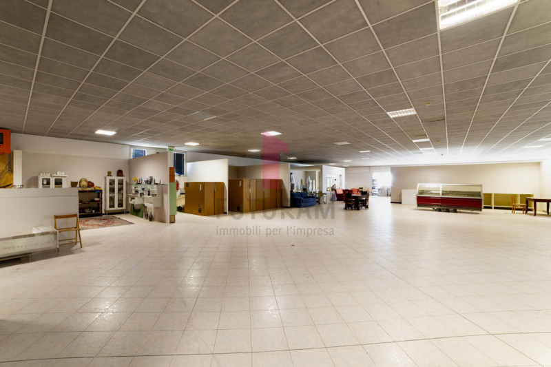 Capannone in vendita a Carmignano di Brenta - https://images.gestionaleimmobiliare.it/foto/annunci/190920/2072021/800x800/016__9c_risultato.jpg