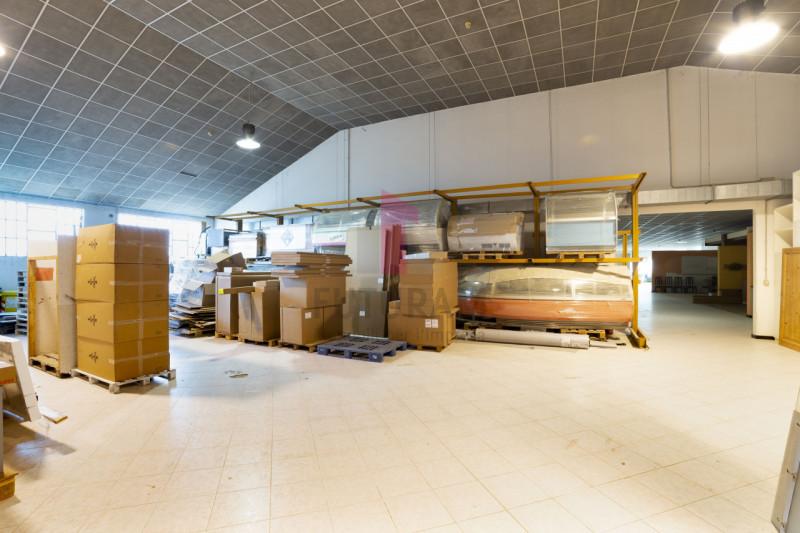 Capannone in vendita a Carmignano di Brenta - https://images.gestionaleimmobiliare.it/foto/annunci/190920/2072021/800x800/017__9d_risultato.jpg