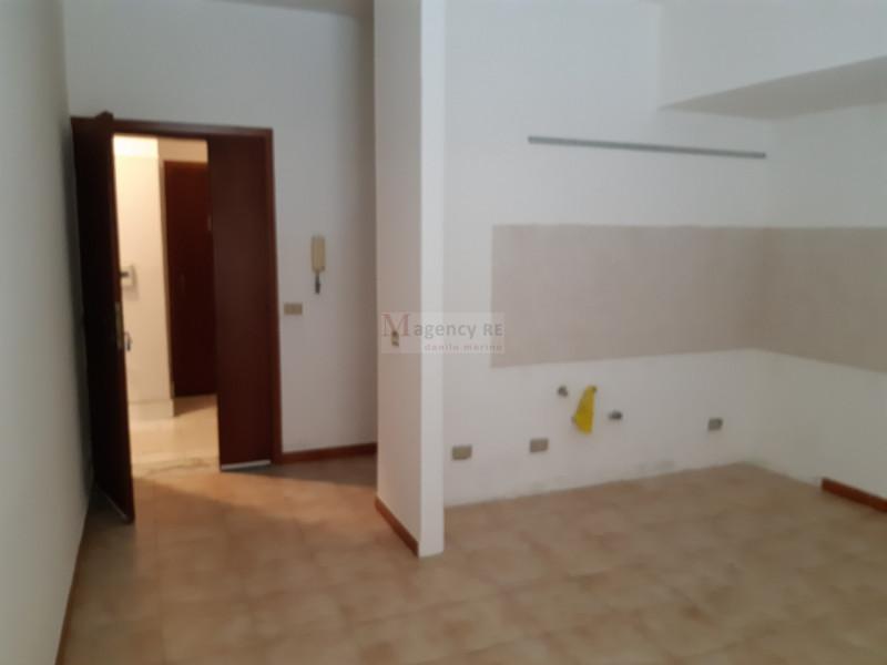 Appartamento in vendita a Villa San Giovanni, 3 locali, zona Località: Villa San Giovanni - Centro, prezzo € 44.000 | CambioCasa.it