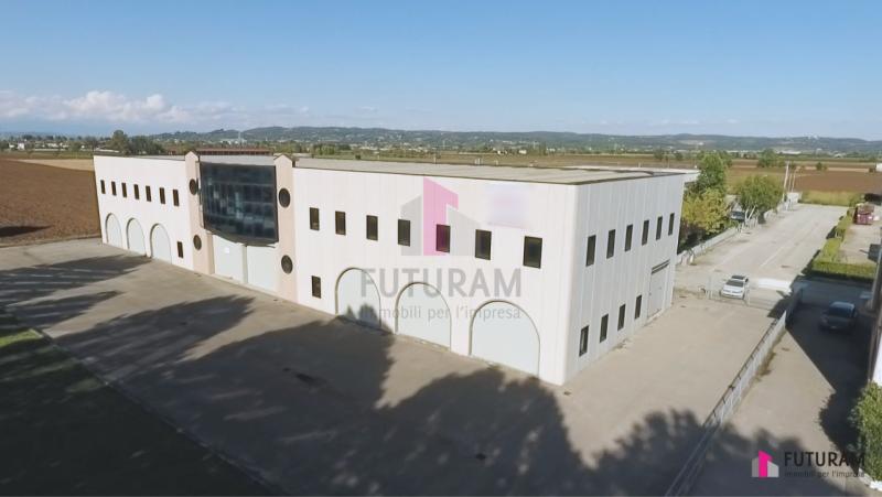 Capannone in affitto a Zimella, 2 locali, prezzo € 8.000 | CambioCasa.it