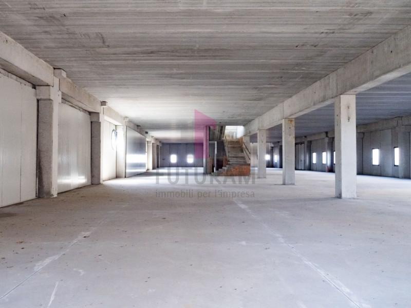 Capannone in affitto a Zimella - https://images.gestionaleimmobiliare.it/foto/annunci/191011/2080989/800x800/003__3_risultato.jpg