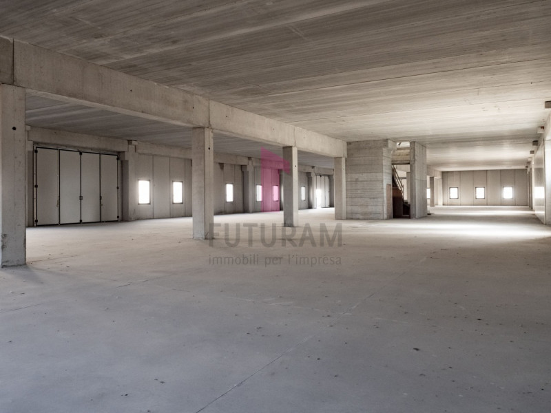 Capannone in affitto a Zimella - https://images.gestionaleimmobiliare.it/foto/annunci/191011/2081017/800x800/011__9b_risultato.jpg
