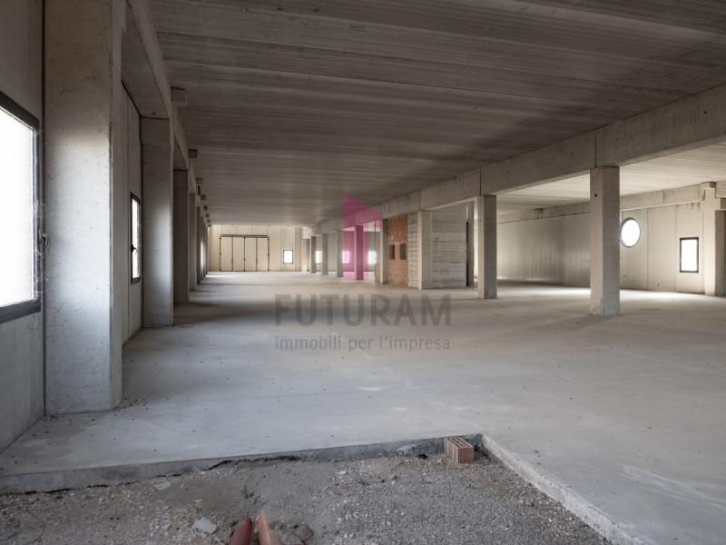 Capannone in affitto a Zimella - https://images.gestionaleimmobiliare.it/foto/annunci/191011/2081017/800x800/012__9c_risultato.jpg
