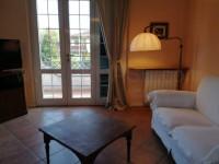 FORTE DEI MARMI Villa singola con enorme giardino in affitto