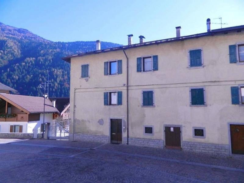 Villa in vendita a Pelugo, 7 locali, prezzo € 211.000 | CambioCasa.it