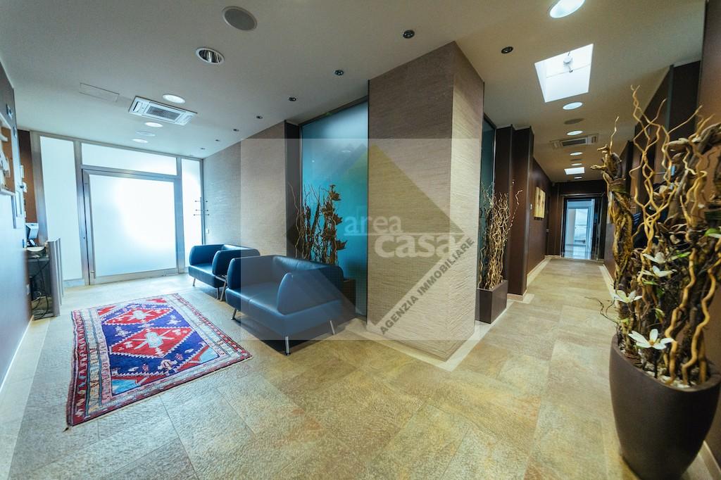 Ufficio in affitto a Tezze sul Brenta