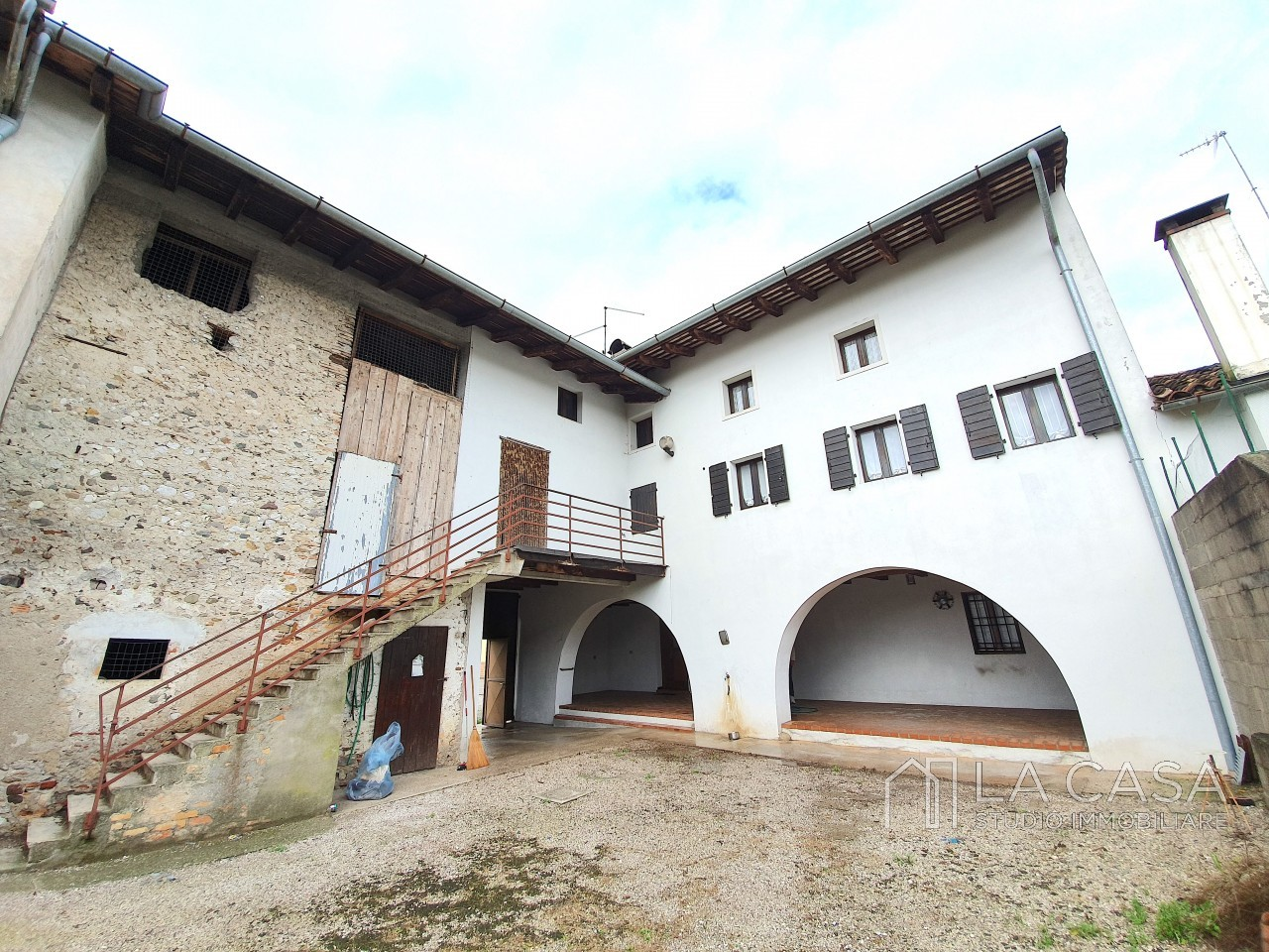 Casa indipendente in Linea - Rif.C6 https://images.gestionaleimmobiliare.it/foto/annunci/191125/2114313/1280x1280/000__20191116_110852_wmk_0.jpg