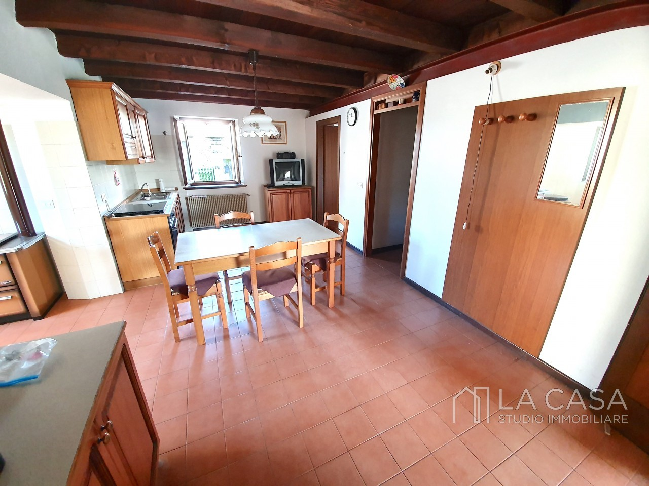 Casa indipendente in Linea - Rif.C6 https://images.gestionaleimmobiliare.it/foto/annunci/191125/2114313/1280x1280/006__20191125_115547_wmk_1.jpg