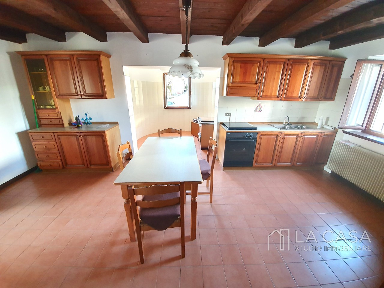 Casa indipendente in Linea - Rif.C6 https://images.gestionaleimmobiliare.it/foto/annunci/191125/2114313/1280x1280/007__20191125_115602_wmk_1.jpg