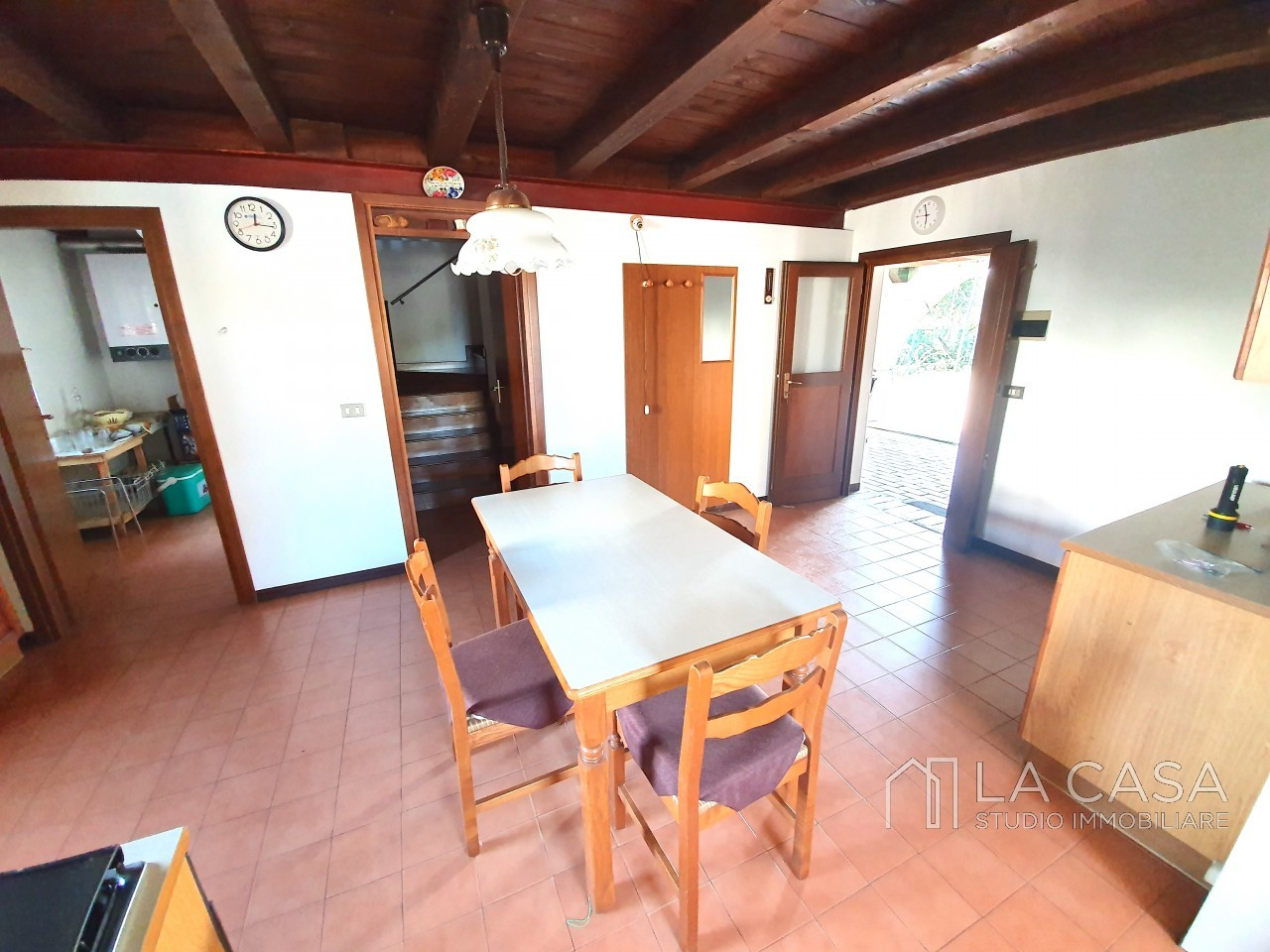 Casa indipendente in Linea - Rif.C6 https://images.gestionaleimmobiliare.it/foto/annunci/191125/2114313/1280x1280/008__20191125_115631_wmk_1.jpg