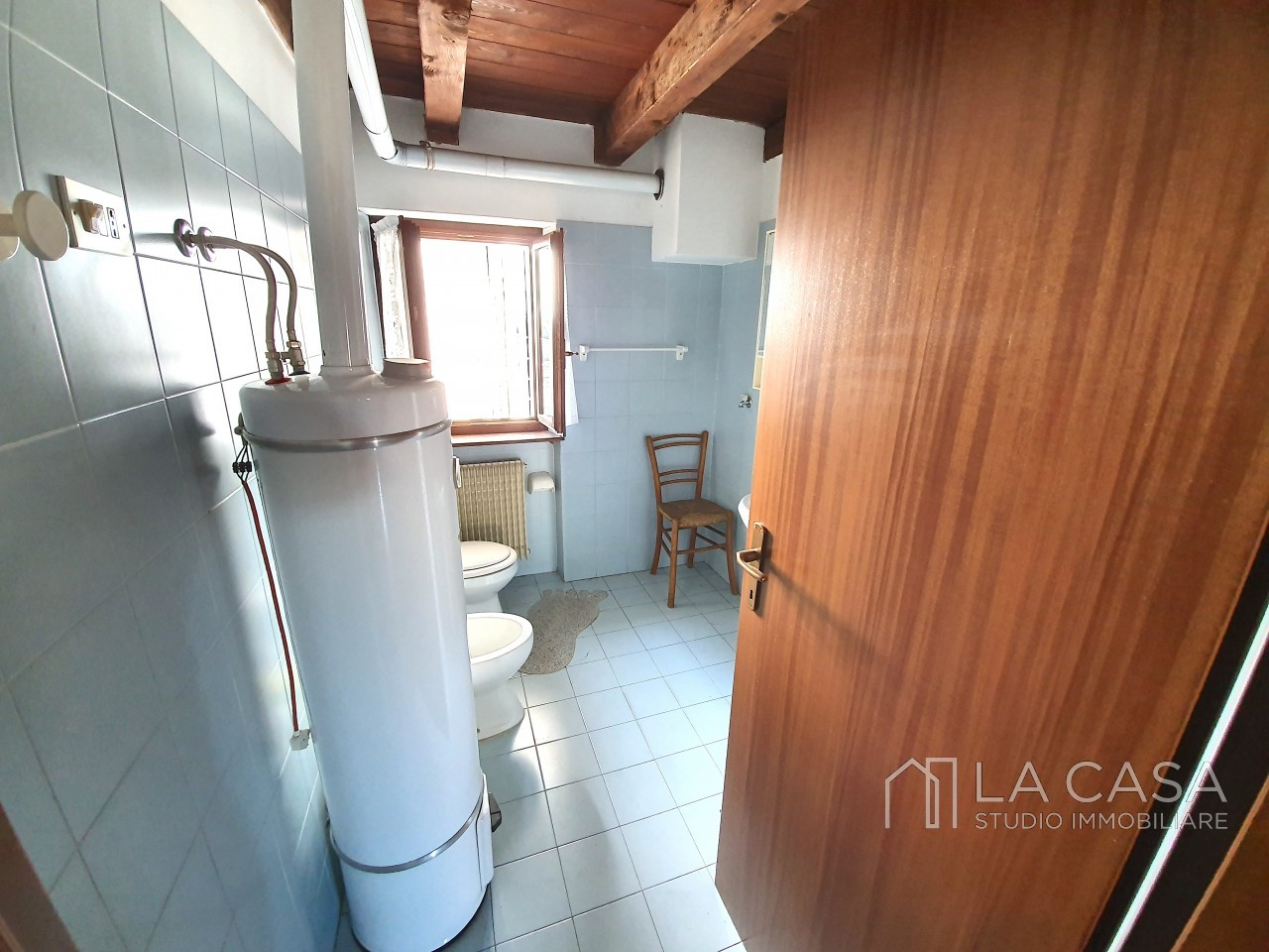Casa indipendente in Linea - Rif.C6 https://images.gestionaleimmobiliare.it/foto/annunci/191125/2114313/1280x1280/019__20191125_115740_wmk_1.jpg