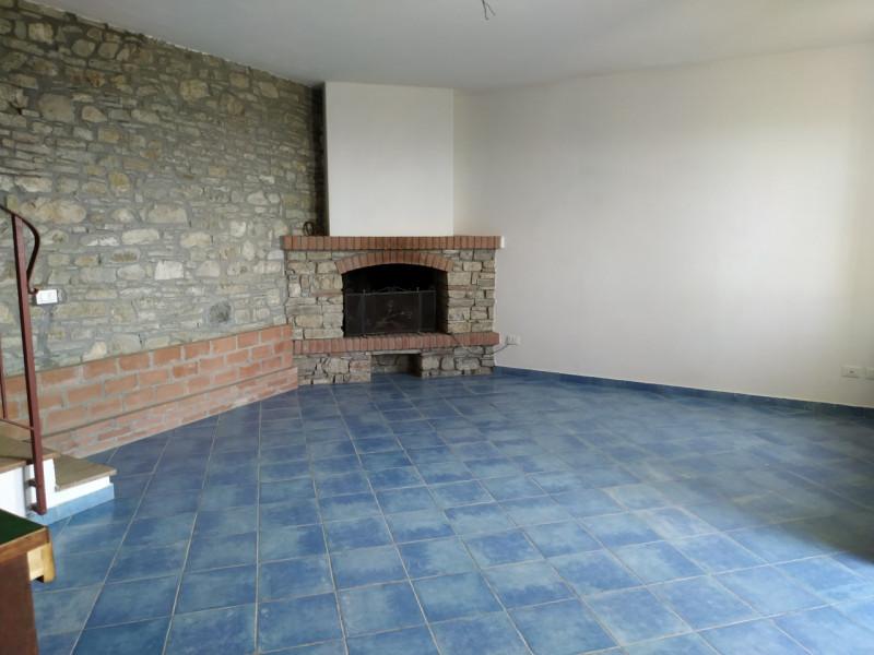Villa in vendita a Ruino, 3 locali, zona ine, prezzo € 130.000 | PortaleAgenzieImmobiliari.it