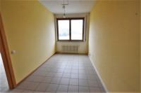 Bressanone, via J. Durst: ufficio con 2 posti auto