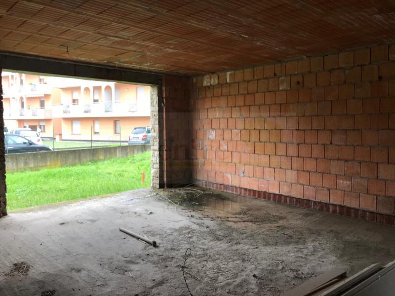 CASTEL GOFFREDO: VILLA SINGOLA - https://images.gestionaleimmobiliare.it/foto/annunci/200102/2125792/800x800/011__img_5715_wmk_0.jpg