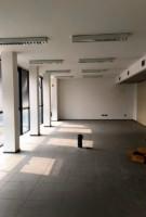 Immobile cosi suddiviso: mq 180 ca. di uffici e mq 95 ca. di deposito/archivio al piano terra, mq 1.