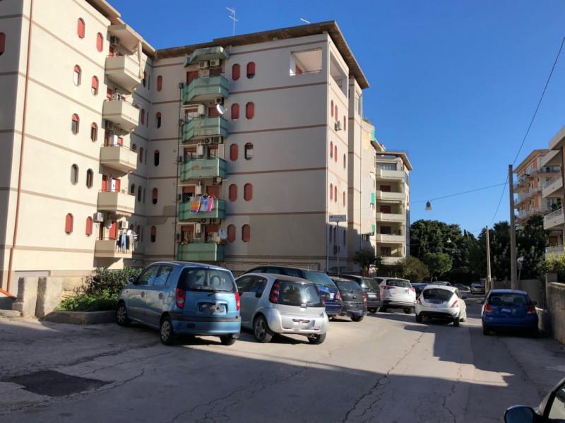 Magazzino in vendita a Siracusa, 9999 locali, zona Zona: Scala Greca, prezzo € 106.000   CambioCasa.it