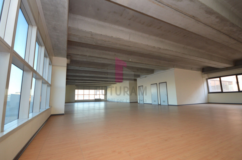 Ufficio in affitto a Vicenza - https://images.gestionaleimmobiliare.it/foto/annunci/200114/2128832/800x800/011__9c.jpg